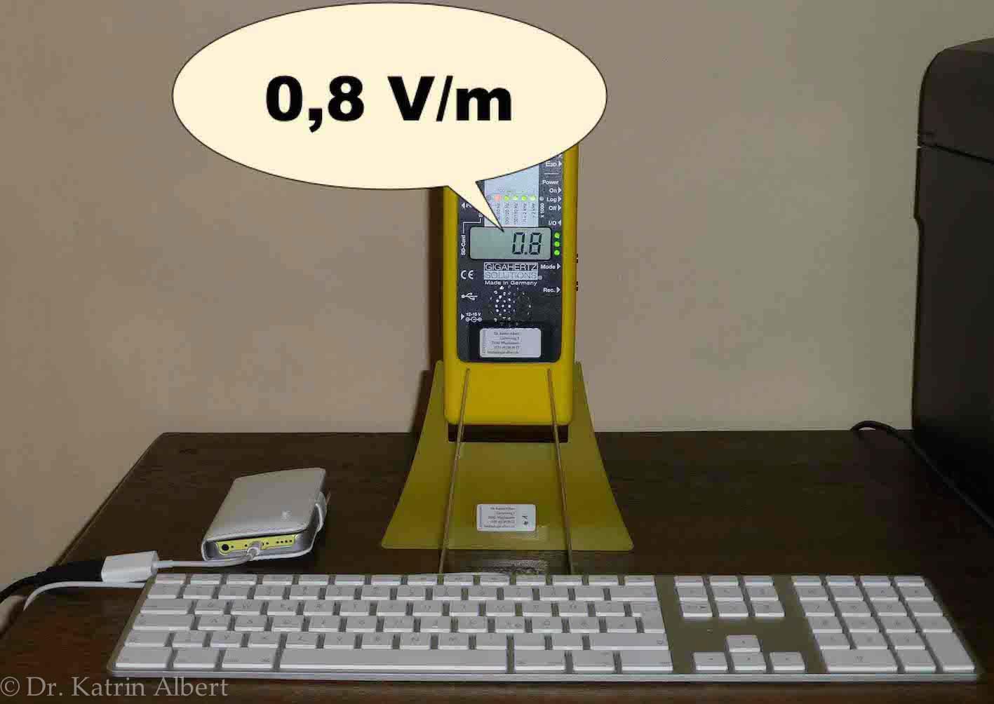 Tastatur und Handy geerdet